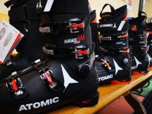 Ski boots rental in Poiana Brasov with R&J Ski Rentals in Poiana Brasov