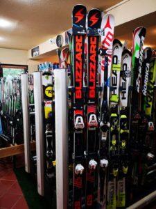 new ski rental centar in Poiana Brasov