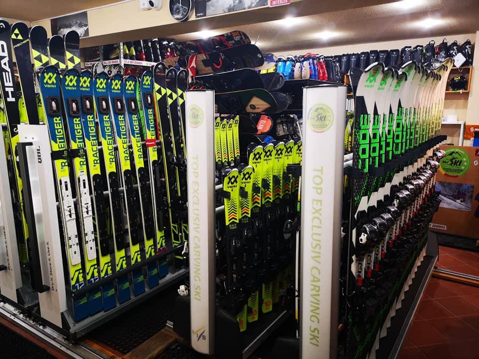 poiana brasov ski school offer ski lessons for kids and adults