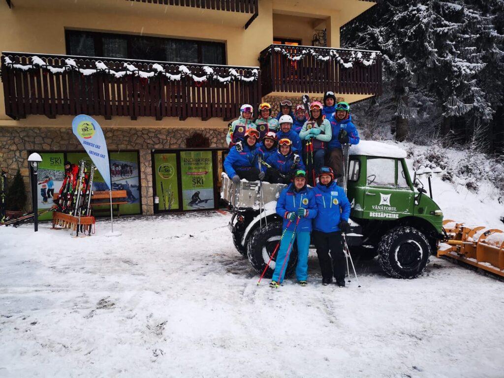 Scoala ski pentru copii si adulti R&J Poiana Brasov Romania, ofera lectii ski pentru copii si adulti