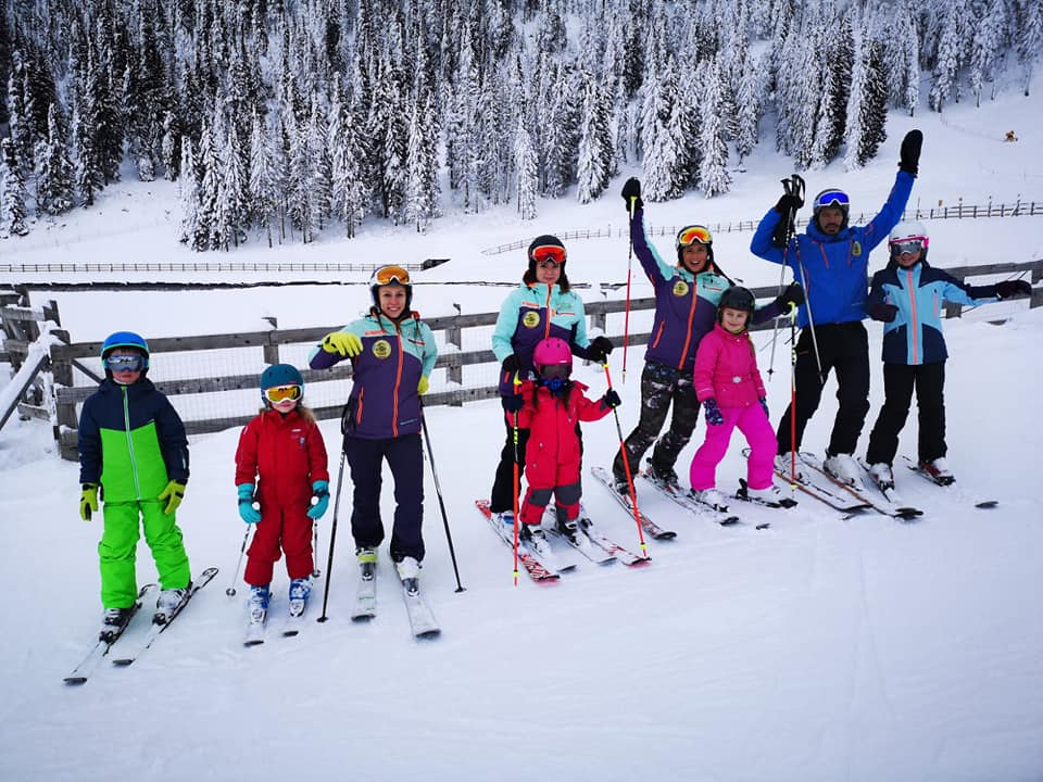 Scoala de ski pentru copii si adulti in Poiana Brasov oferite de R&J Ski School of Poiana Brasov